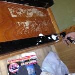 床框の中にムース状薬剤穿孔注入処理